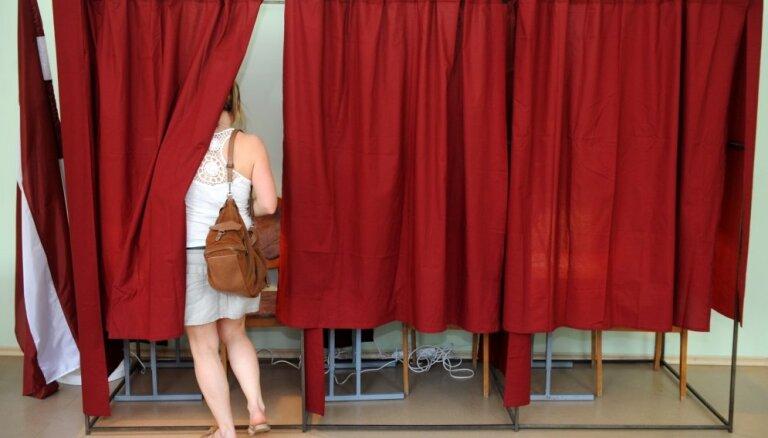 Latvijā durvis ver Eiropas Parlamenta vēlēšanu iecirkņi