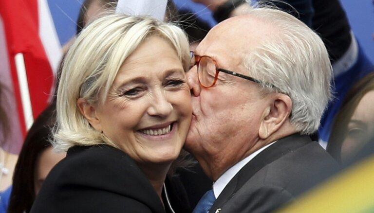 Tiesa apstiprina franču Nacionālās frontes dibinātāja Lepēna izslēgšanu no partijas
