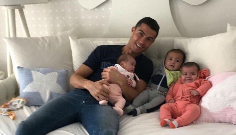 Криштиану Роналду станет отцом уже пятого ребенка
