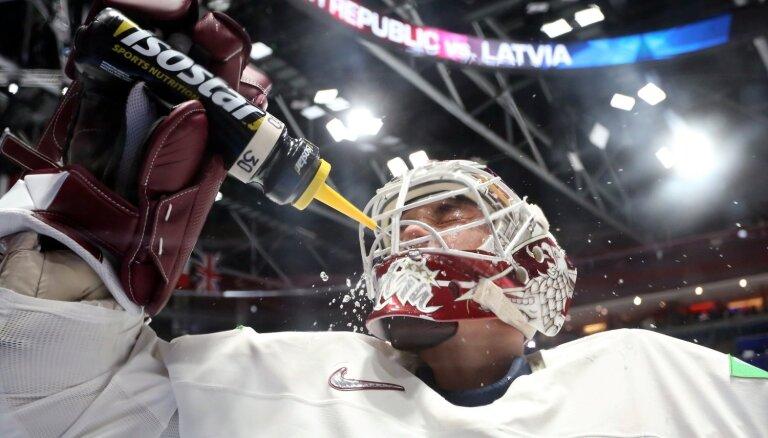IIHF spēka rangs: Latvijai 10. vieta un uzslavas Merzļikinam
