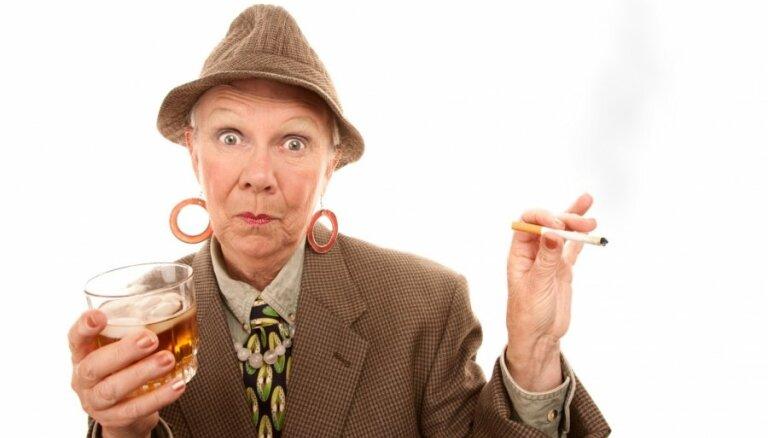 Минздрав хочет убрать сигареты с витрин и закрыть курилки