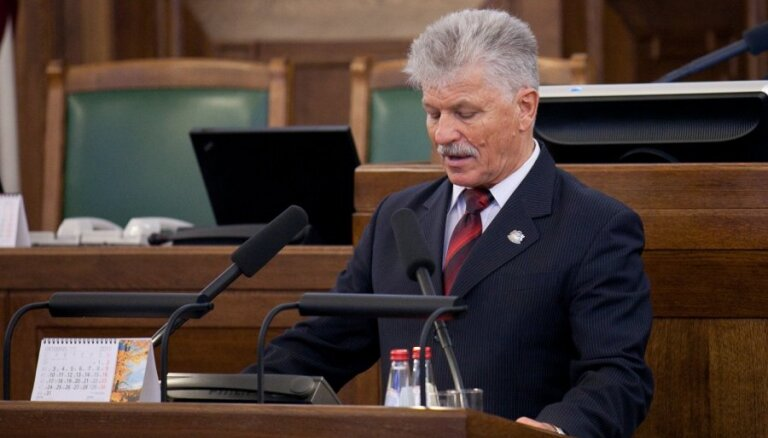 Deputāts Krēsliņš neesot prasījis pielaides piešķiršanu darbam ar valsts noslēpumu