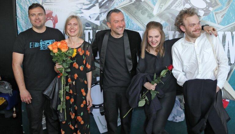 Foto: Pirmizrādi piedzīvojusi Kaspara Rogas dokumentālā filma 'Meklējot Mr. Kauliņu'
