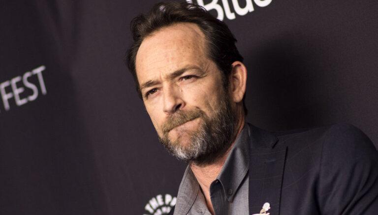 52 gadu vecumā miris seriāla 'Beverlihilsa' aktieris Lūks Perijs