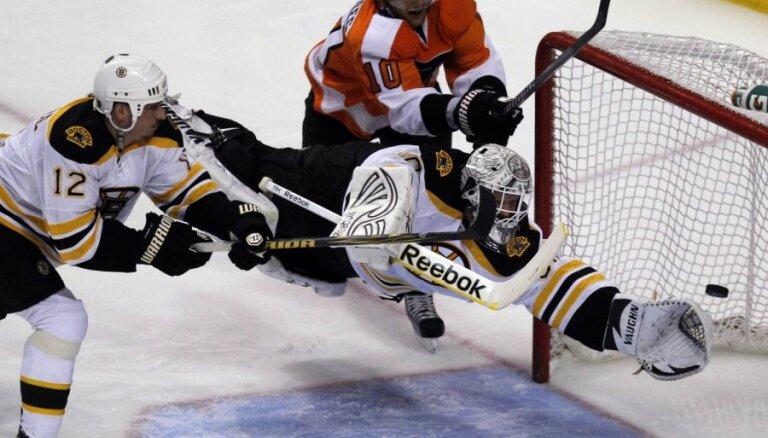 Bārtuļa 'Flyers' otrreiz zaudē 'Bruins' Austrumu konferences pusfinālā