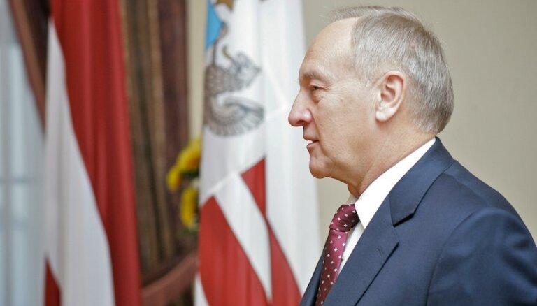 Prezidents Bērziņš sarunās ar partijām cer atrast veidu, 'kā iet uz priekšu'