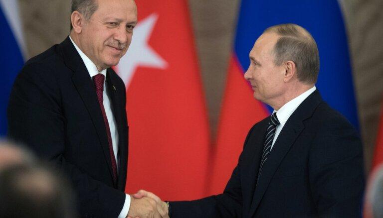 Турция на распутье: дружить ли с Россией против США?