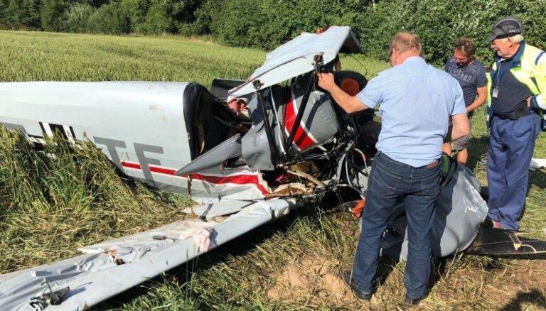 Lidmašīnas avārija Bauskas novadā notikusi ārkārtas nosēšanās mēģinājuma laikā