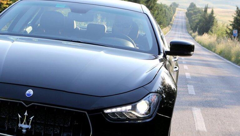 Депутаты: авто класса люкс стоит не меньше 50000 евро