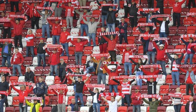 Ungārijas futbola fani atgriežas stadionos pēc Covid-19 radītajiem ierobežojumiem