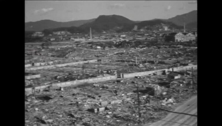 Unikāls video: Padomju karavīri atombumbu sprādzienu saplosītajās Hirosimā un Nagasaki