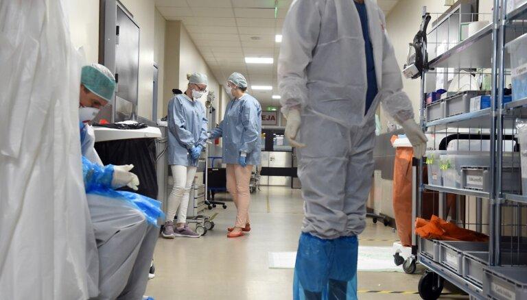 """Задержание """"антимасочников"""", кризис в больницах и первые проблемы с вакциной. Главное о Covid-19 на 9 декабря"""