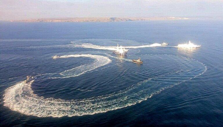 Ukrainas kuģiem uzbruka starptautiskajos ūdeņos, apstiprina arī 'Bellingcat'