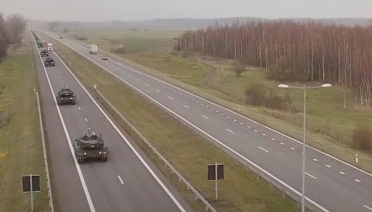 'No autotransporta birstoša munīcija un karavīru kautiņi' jeb Krievijas vīzija par NATO mācībām Baltijas valstīs