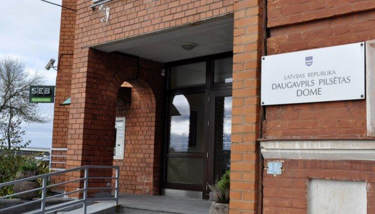 Daugavpils domē likvidē priekšsēdētāja biroju un maina komiteju locekļu skaitu