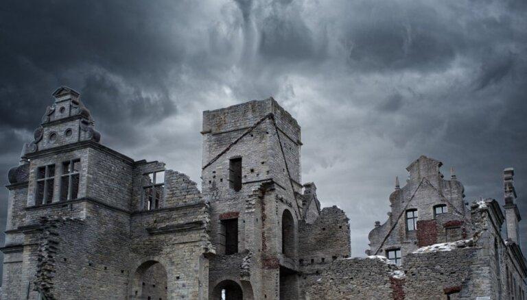 ФОТО, ВИДЕО. Впечатляющий замок Унгру в Эстонии, руины которого до сих пор хранят трагическую историю любви