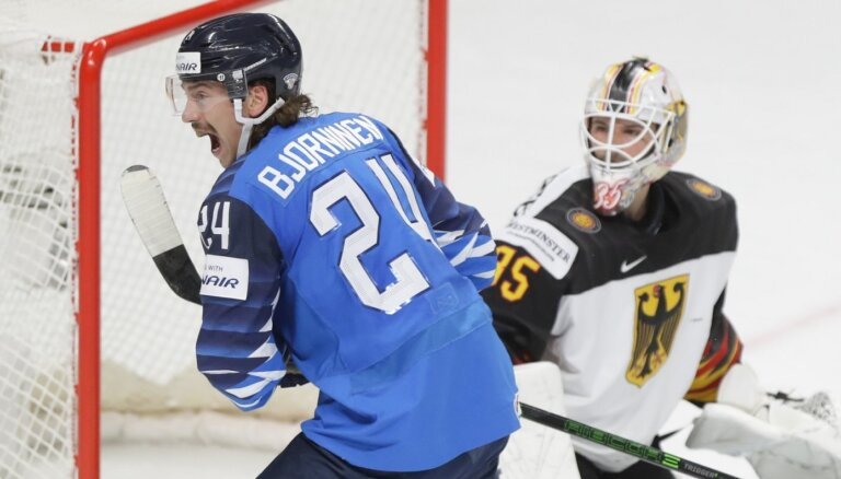 Somijas hokejisti pieveic Vāciju un panāk 2019. gada fināla atkārtojumu