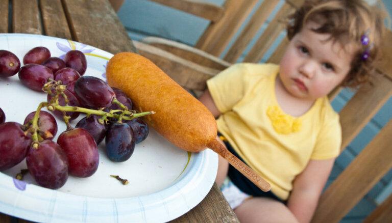 Психолог: нельзя заставлять ребенка съедать все содержимое тарелки