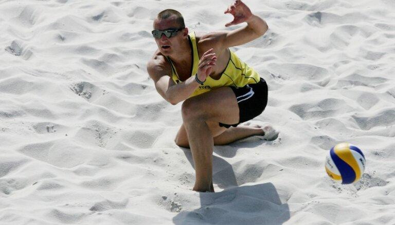 Latvijas pludmales volejbolisti veiksmīgi sākuši Pekinas 'Grand Slam' (11:20)