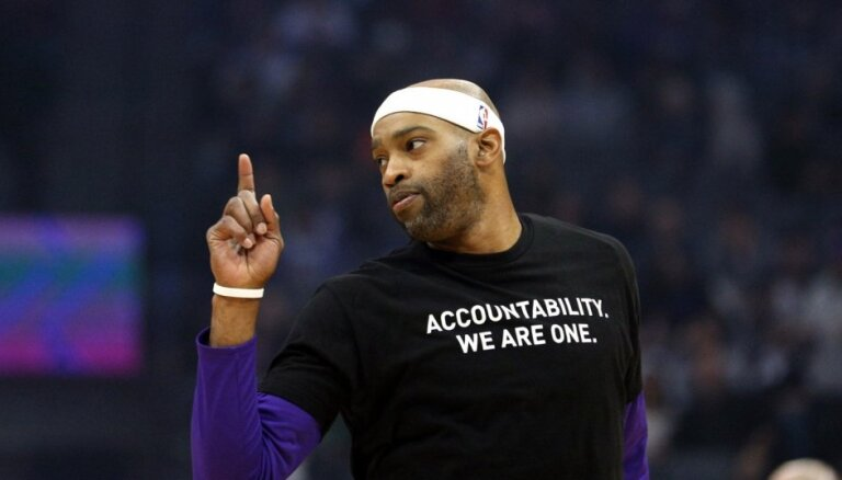 NBA vecākais spēlētājs Kārters pievienojas 'Hawks'