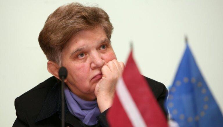Костенецкая: латыши должны сделать шаг навстречу русскоязычным