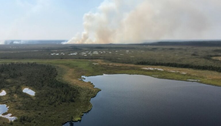 VMD cer drīzumā ierobežot ugunsgrēku Saklaura purvā Ramatas pagastā