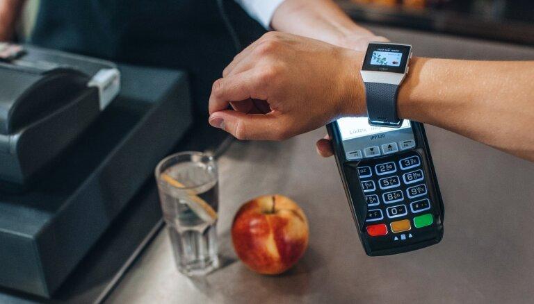 Swedbank запустил оплату покупок со смартфона, смарт-часов и смарт-браслета