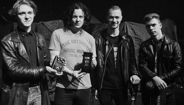 Latviešu 'Gamechanger Audio' uzsāk sadarbību ar leģendāro ģitāristu Džeku Vaitu