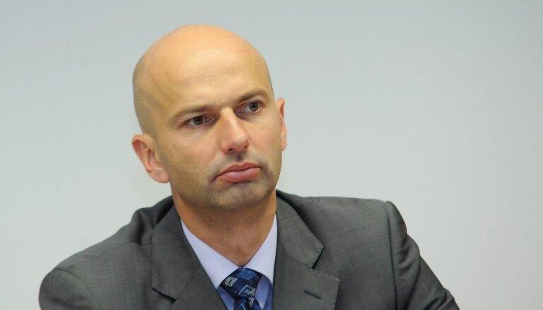 Saeimas komisija kopumā atbalsta iecerēto valsts pārvaldes atlīdzības reformu