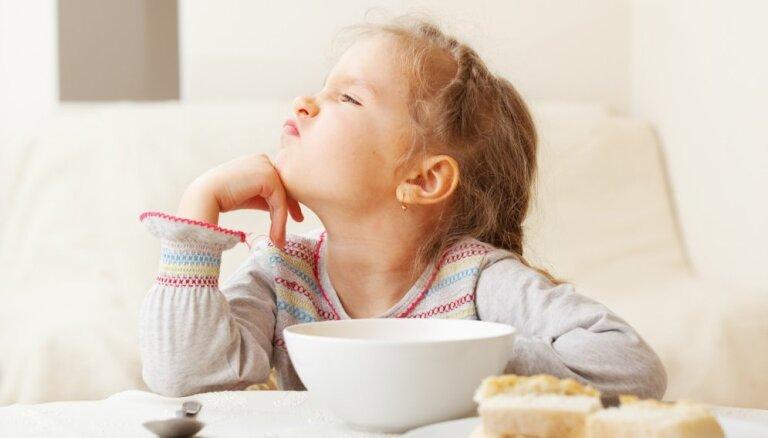 Kāpēc nedrīkst pieļaut bērnam iekrist slazdā, ēdienus iedalot 'sliktajos' un 'labajos'