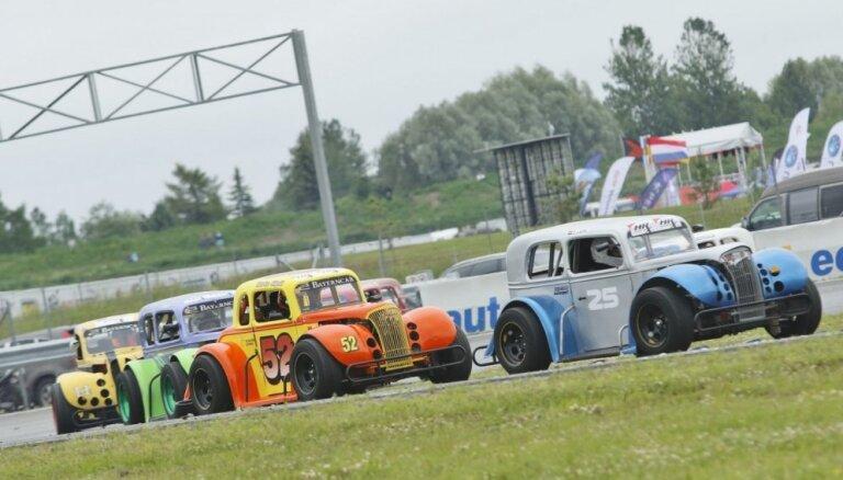 Latvijas 'Legend Car' braucēji gatavi otrajam Ziemeļeiropas zonas posmam Pērnavā