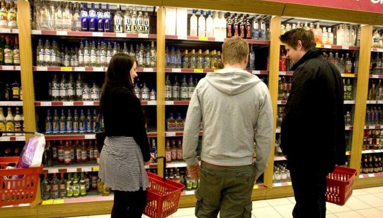 Alkohola ražotāji: Pēc akcīzes paaugstināšanas vietējais tirgus saruks par 10–12%
