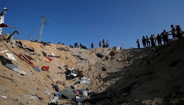 Izraēla turpina uzlidojumus, apdraudot Gazas pamieru