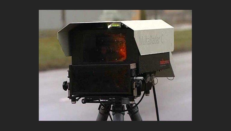 Būs vēl 100 fotoradari