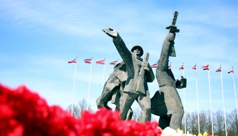 Жданок подаст в Сейм инициативу о защите памятников борцам с нацизмом