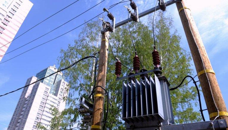 В пятницу утром в Лиепае 4600 клиентов остались без электричества