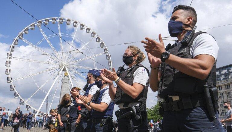 Beļģijā policisti protestē pret spiedienu pretrasisma protestu dēļ