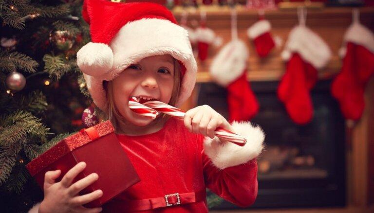 Uztura speciāliste par saldumu pakām bērniem: svarīgi, lai svētki 'neievilktos'