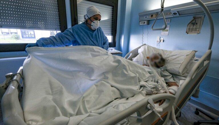 Вильнюс готовится к худшему сценарию: временные больницы разместят в школах и спортивных аренах