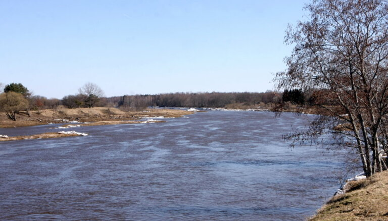 Kurzemes upēs strauji ceļas ūdens līmenis