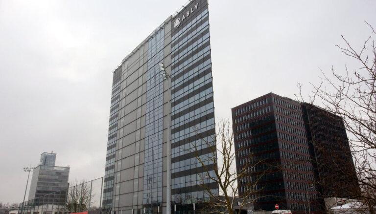 Brīdina par risku pazaudēt naudas atmazgāšanas pierādījumus 'ABLV Bank'; banka pārmetumus noraida