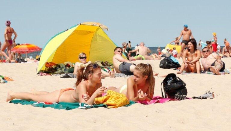 Чебуреки по два евро: за сколько в Паланге в этом сезоне можно поесть, переночевать и развлечься?