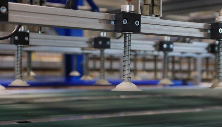Foto: Ventspilī atklāta jauna polikarbonāta plākšņu ražošanas rūpnīca