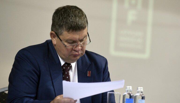 Baltkrievijai ir minimālas iespējas uzņemt pasaules čempionātu hokejā, uzskata Kalvītis