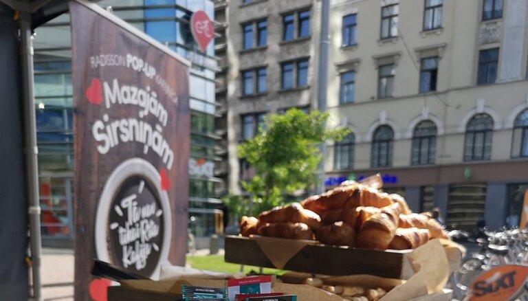 """В центре Риги открылось благотворительное pop-up-кафе для """"Маленьких сердечек"""""""
