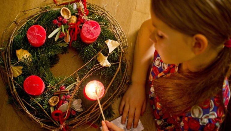 Ziemassvētku gaidīšanas laiks ir klāt – Pirmās adventes svinēšana