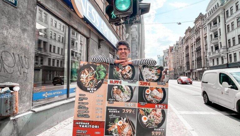 Šefpavārs Mārtiņš Sirmais no 'Ramen Riga' saņem augstu Japānas valdības atzinību