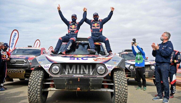 Par Dakaras rallijreida čempionu 14. reizi kļūst Petransels