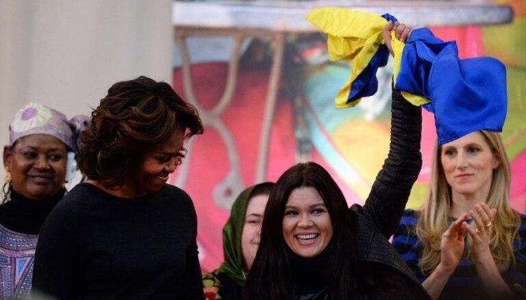 Мишель Обама наградила украинскую певицу Руслану за отвагу на Майдане