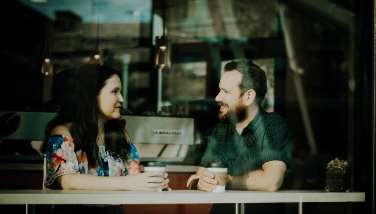 Pieci pieklājīgi veidi, kā pārtraukt sarunu